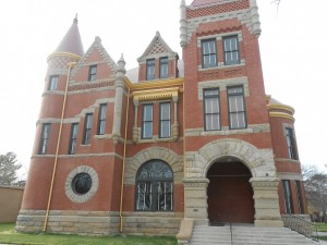 historic courthouse in clarendon texas