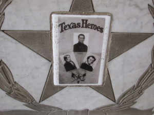 images of alamo heroes